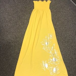 Dresses & Skirts - Strapless Yellow Maxi Dress (size M)